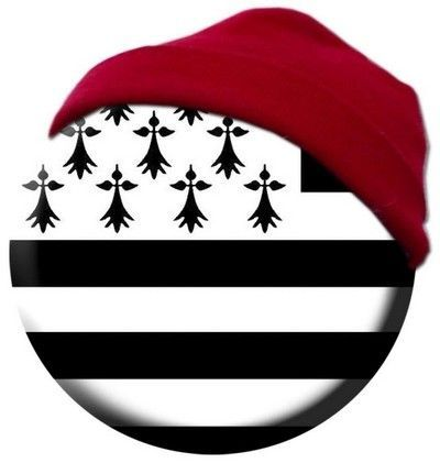 bonnet rouge sur drapeau breton